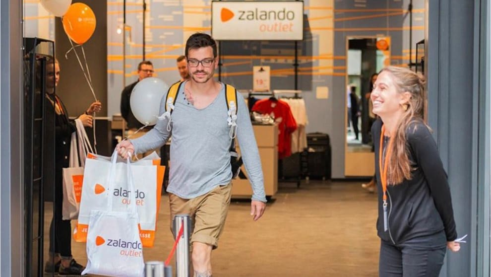 newest 20647 a9d8c The pleasure of shopping tourists: Zalando outlet in ...