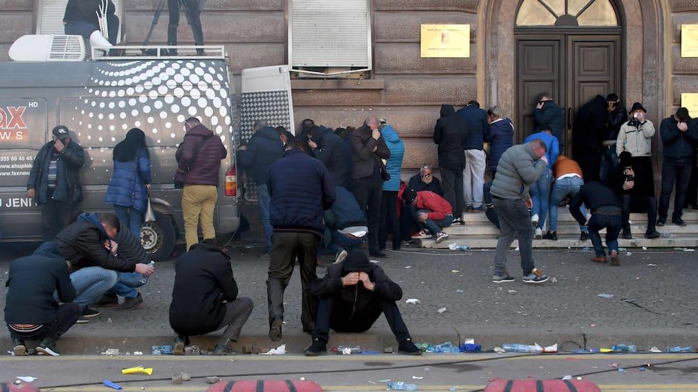 Demonstranten stürmen Regierungsgebäude in Albanien