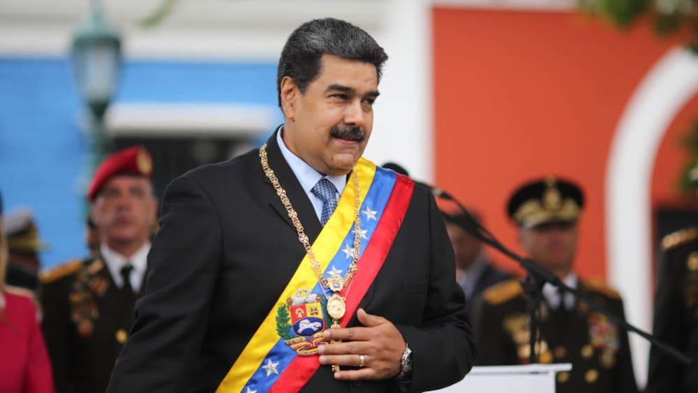 Venezuela sperrt alle Häfen