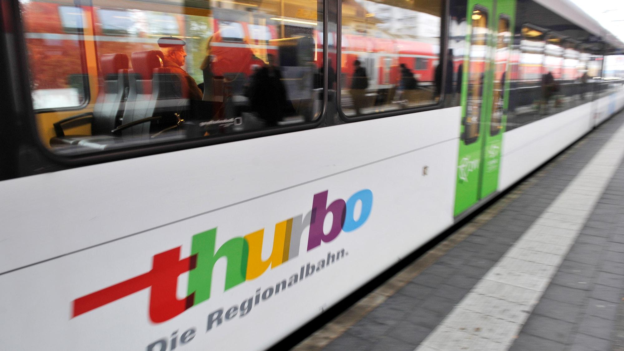 Busse wegen Belästigung: Schweizer (30) onaniert neben Frau im Zug