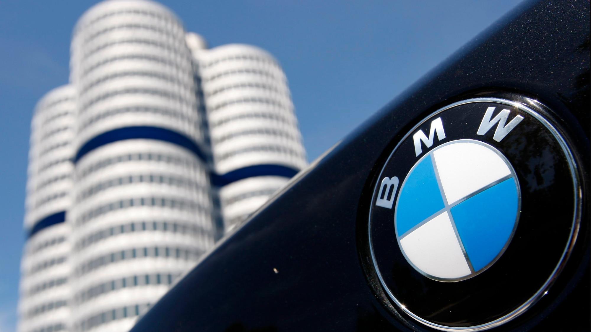 Nicht halb so grün wie der Grüne Girod wirbt: BMW lädt Kunden zu unnötigen Heli-Flügen ein