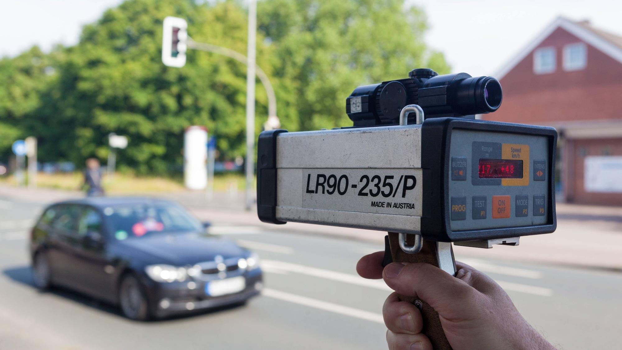 81 km/h zu viel in Österreich: Aargauer (61) rast mit Corvette in Polizei-Kontrolle – Billet weg