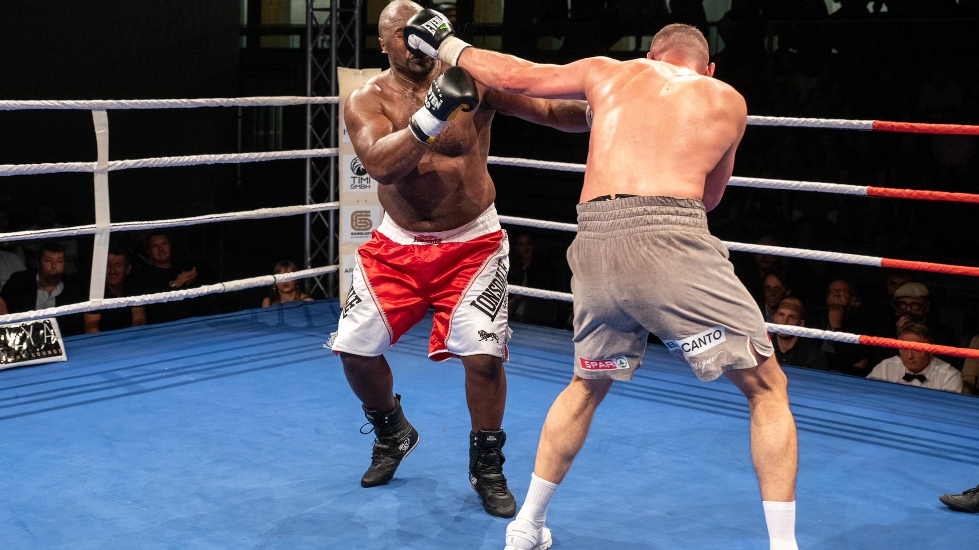 Wilder Kampf gegen Moyo: Gjergjaj liefert wichtigen Sieg trotz Rippenbruch