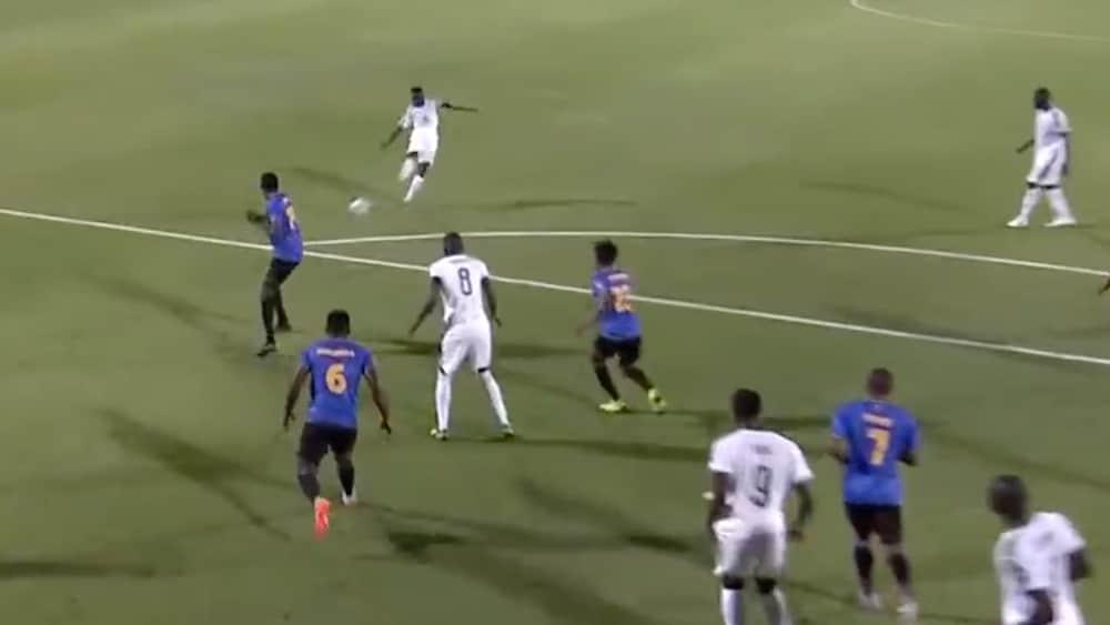 Traumtor-an-Africa-Cup-St-rmer-begeistert-mit-Laser-Schuss-aus-18-Metern