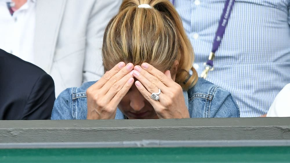 Comment Mirka Federer S Ring Triggers The Shitstorm