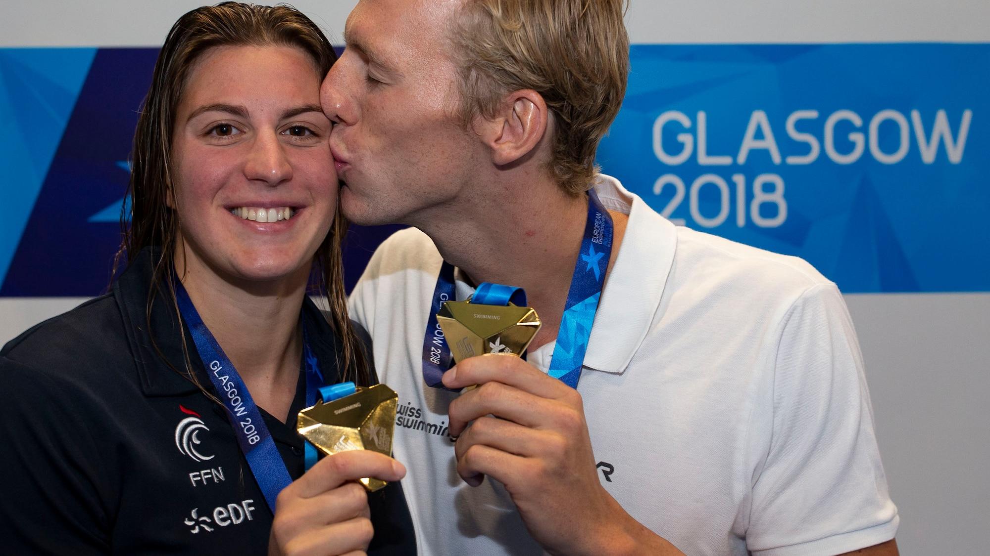 Macht sie ihn noch schneller?: Schwimm-Star Desplanches liebt Gold-Französin