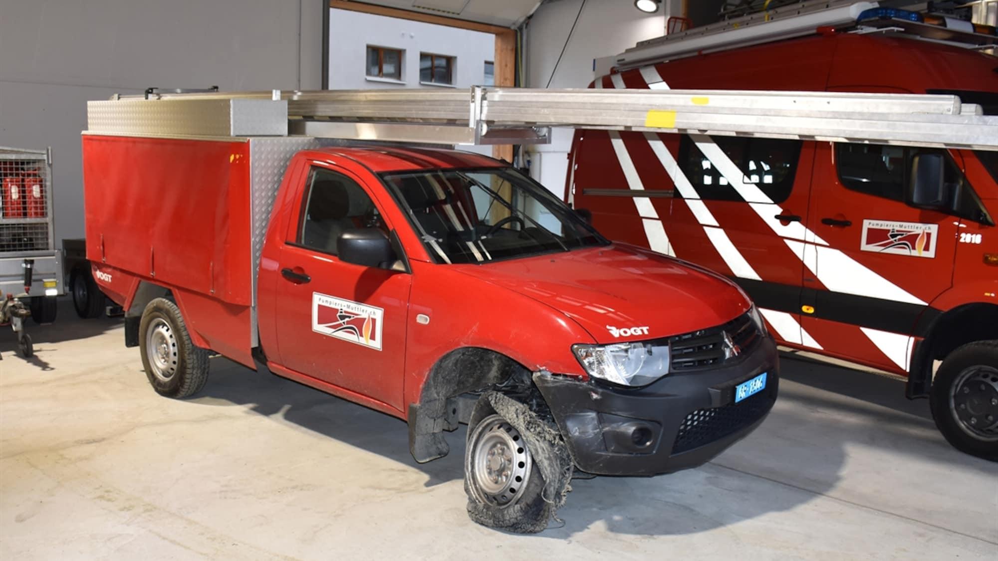 Kaputt wieder in Garage gestellt: Unbekannte klauen Bündner Feuerwehrauto für Spritztour