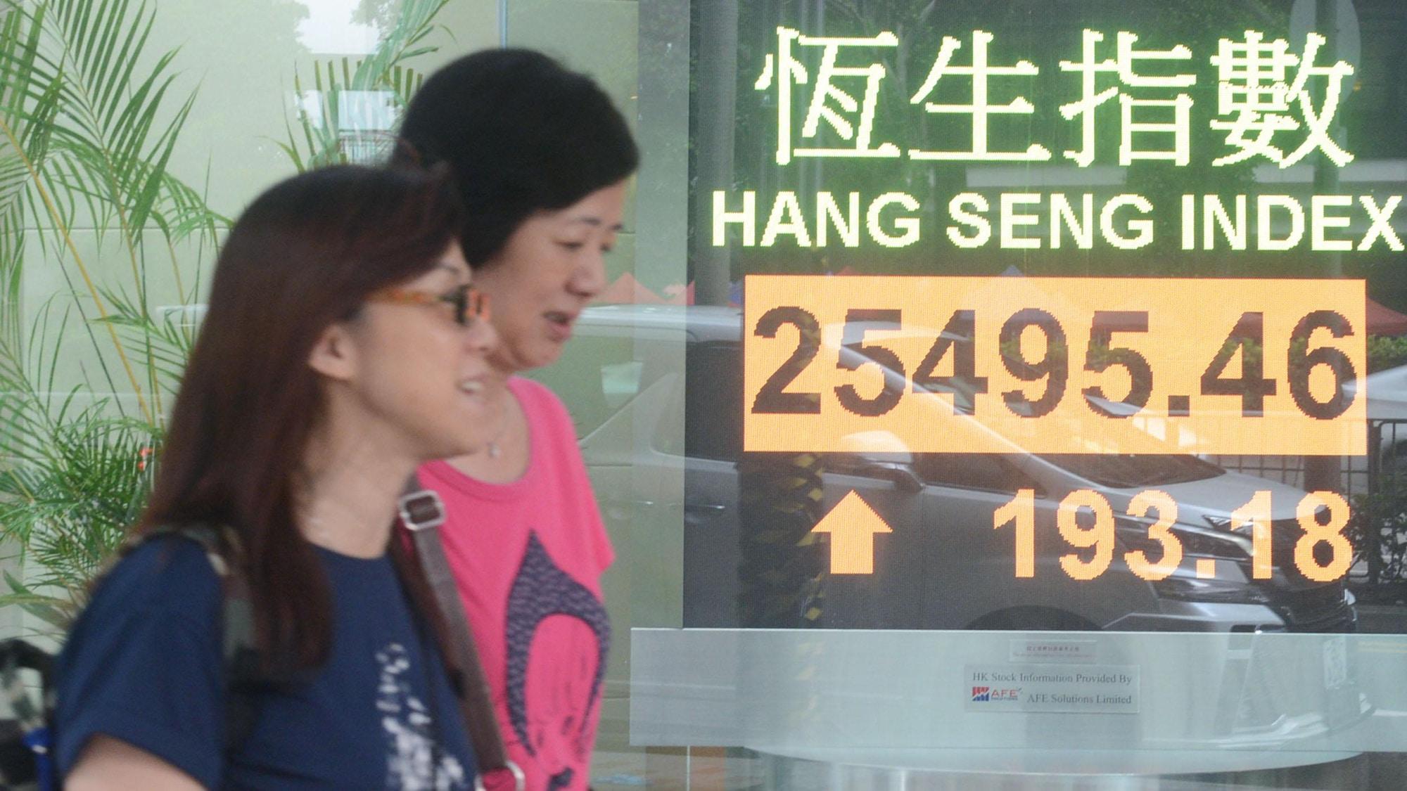 Auswirkungen der Massenproteste: Hongkong steuert auf Rezession zu