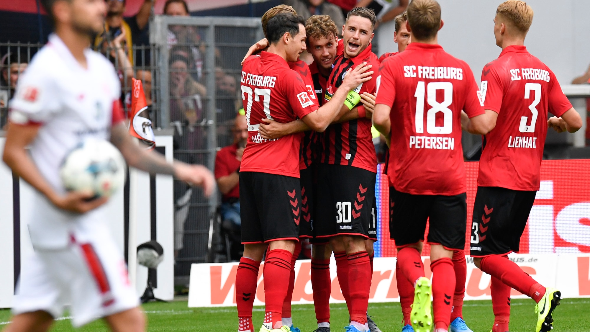Dank drei Toren in sechs Minuten: Freiburg feiert lockeren Auftakt-Sieg gegen Mainz