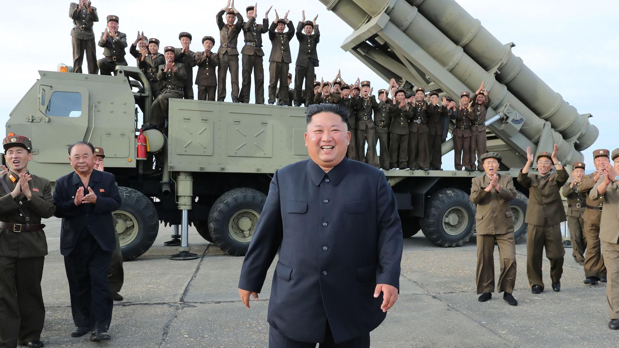Trump: «Er testet gerne Raketen»: Strahlender Kim Jong Un überwacht Test von «riesigem» Raketenwerfer