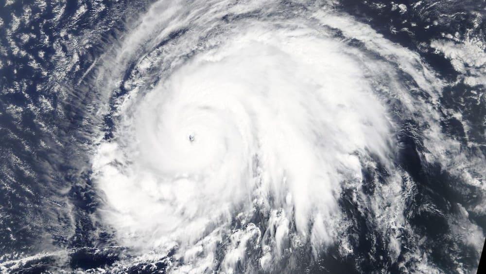Kategorie 5 Hurrikan Lorenzo steuert direkt auf Europa zu – Blick