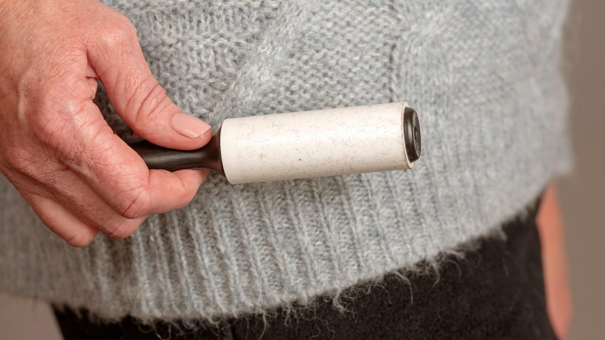 Wenn Sie keinen Fusselroller zur Hand haben: 7 Tipps, um Fussel im Handumdrehen loszuwerden