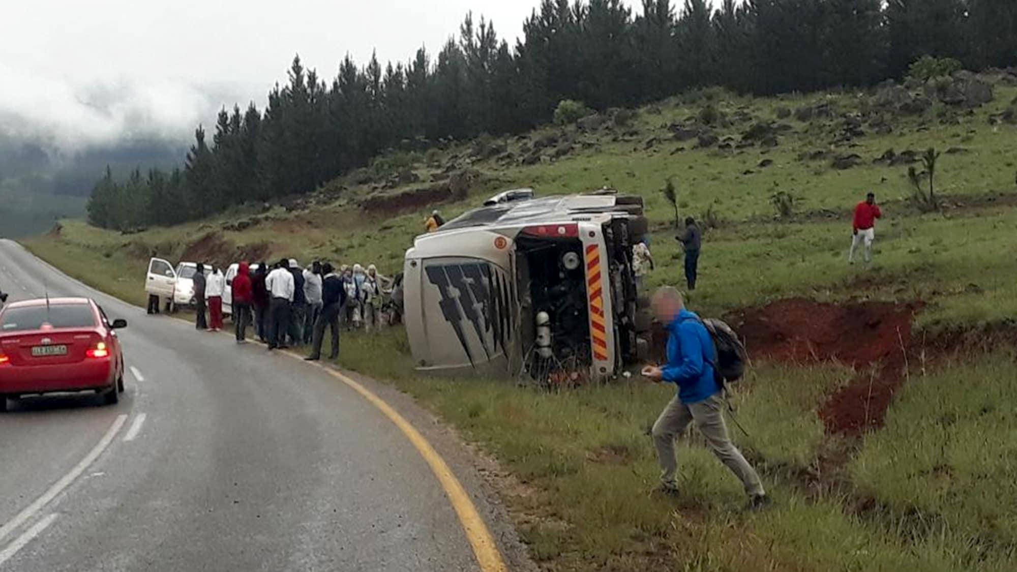 Zehn Touristen verletzt: Reise-Car mit 37 Schweizer Passagieren in Swasiland umgekippt