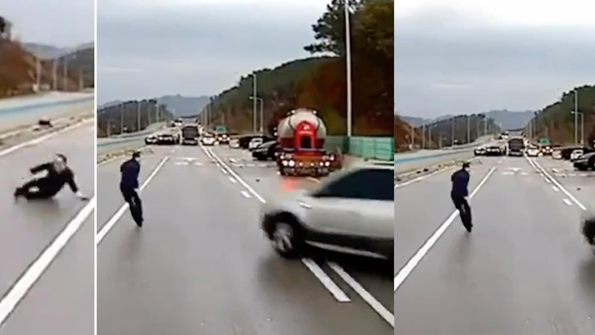 Blitzeis überrascht Autofahrer: Mann kommt bei Massenkarambolage zweimal fast unter die Räder