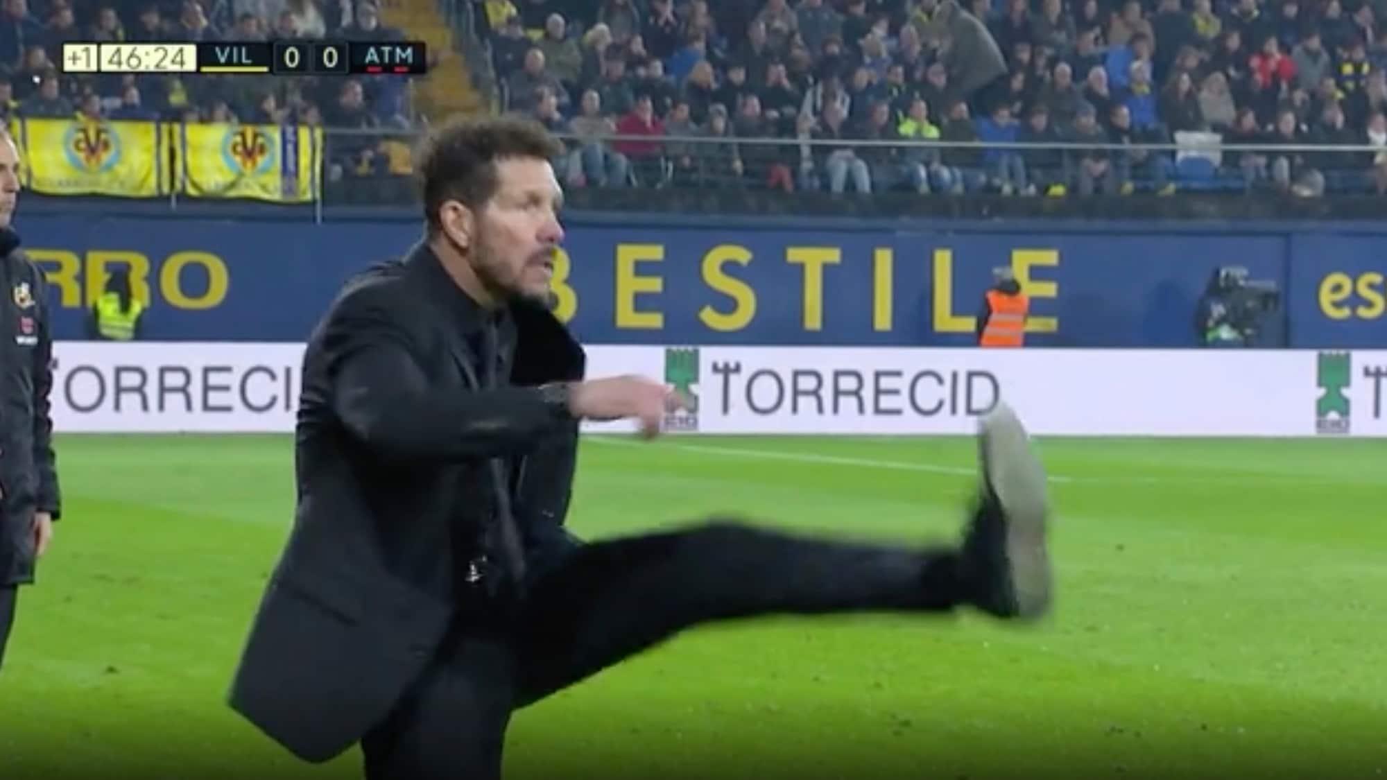 Nur Remis bei Villarreal: Atletico-Trainer Simeone kickt an Linie verzweifelt mit