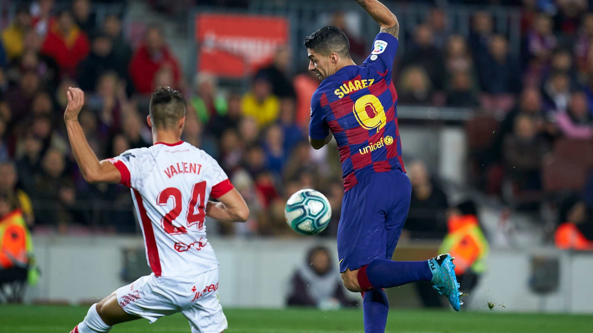 Unglaubliches Barça-Tor: Luis Suarez schliesst Tiki-Taka-Angriff mit Hacke ab