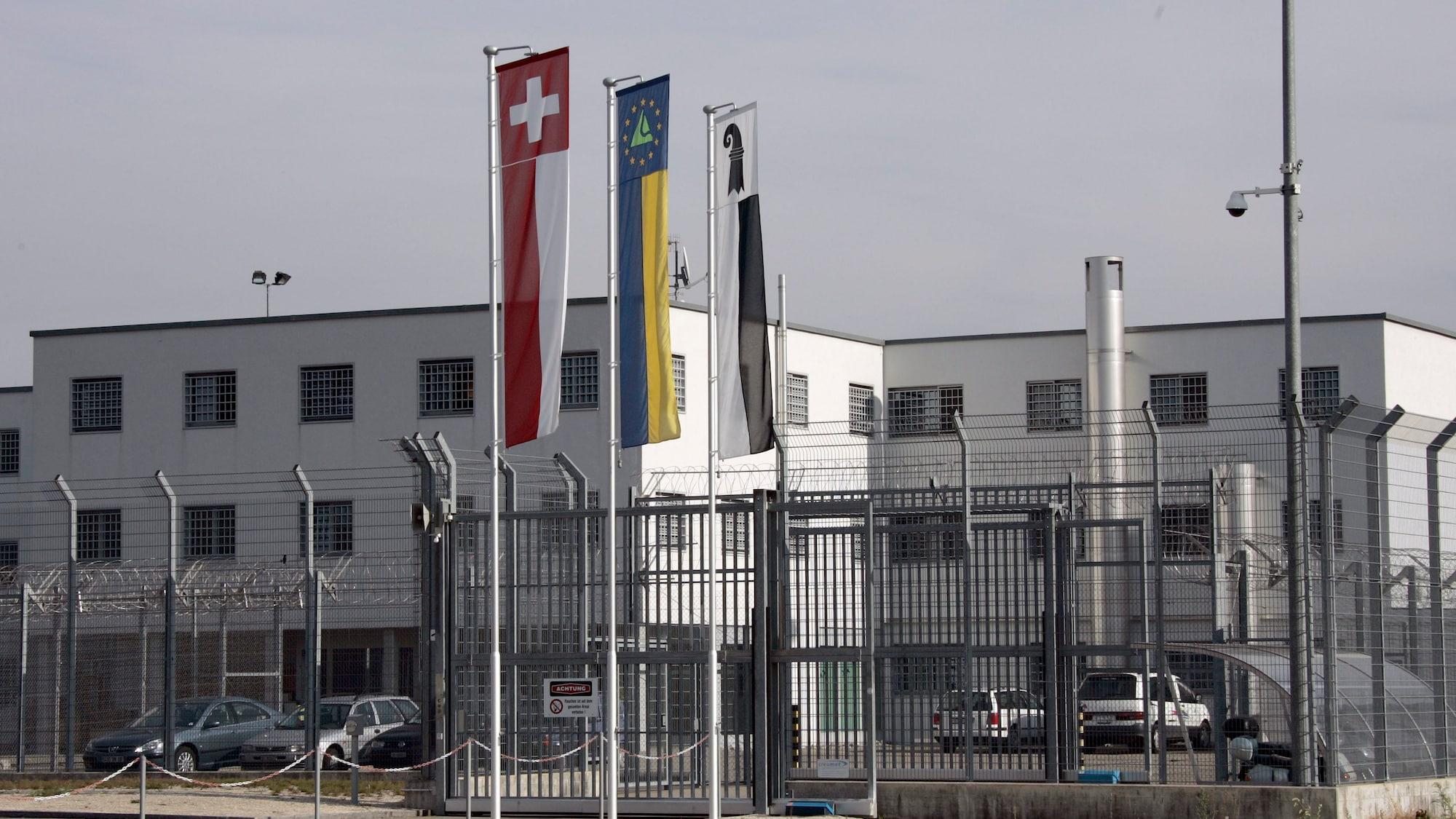Ausbruchalarm in Basel: Zwei Insassen büchsen aus Gefängnis aus – gefasst!