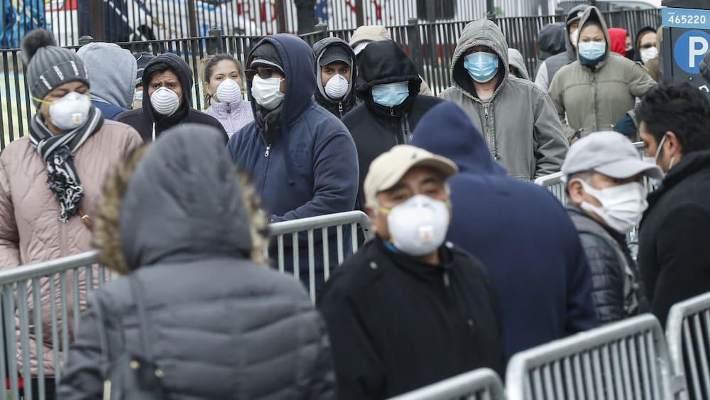 Amerikas Reiche wollen sich mit Geld vor dem Virus retten - Blick