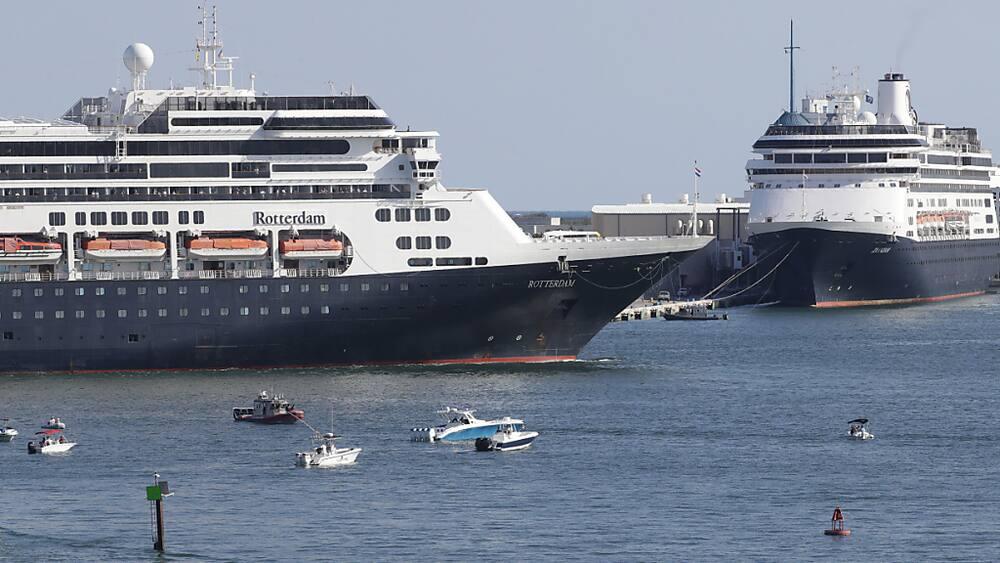 Ende der Odyssee eines Kreuzfahrtschiffes - Blick