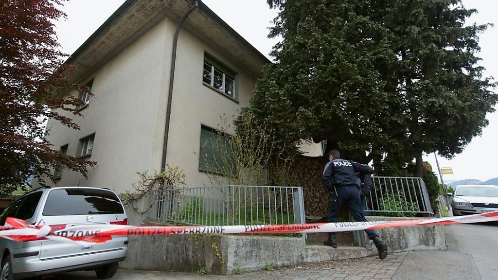 Heimleiter und dessen Partnerin mit mehr als hundert Stichen getötet: Doppelmörder von Spiez (52) wird verwahrt