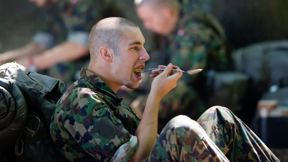 Armee streicht «Reispfanne Zigeuner Art» wegen Rassismus aus Bestand