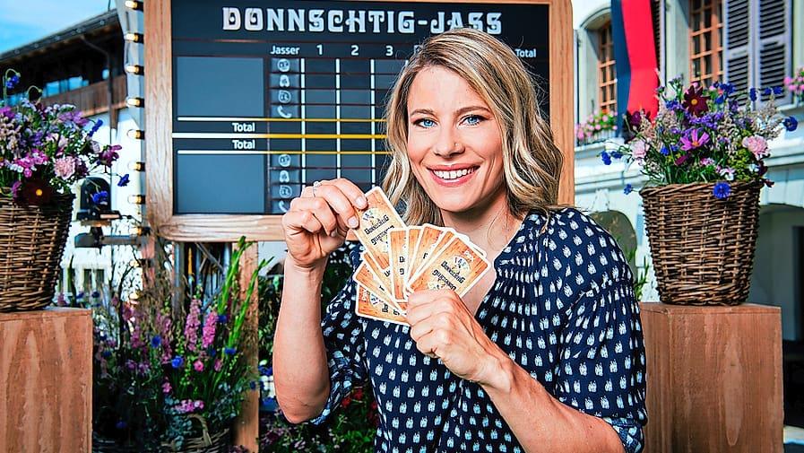 Schwingerkönigin Sonia Kälin ist auch in der neuen «Donnschtig-Jass»-Staffel Schiedsrichterin: «Bei der Hauptprobe habe ich alles falsch gemacht»