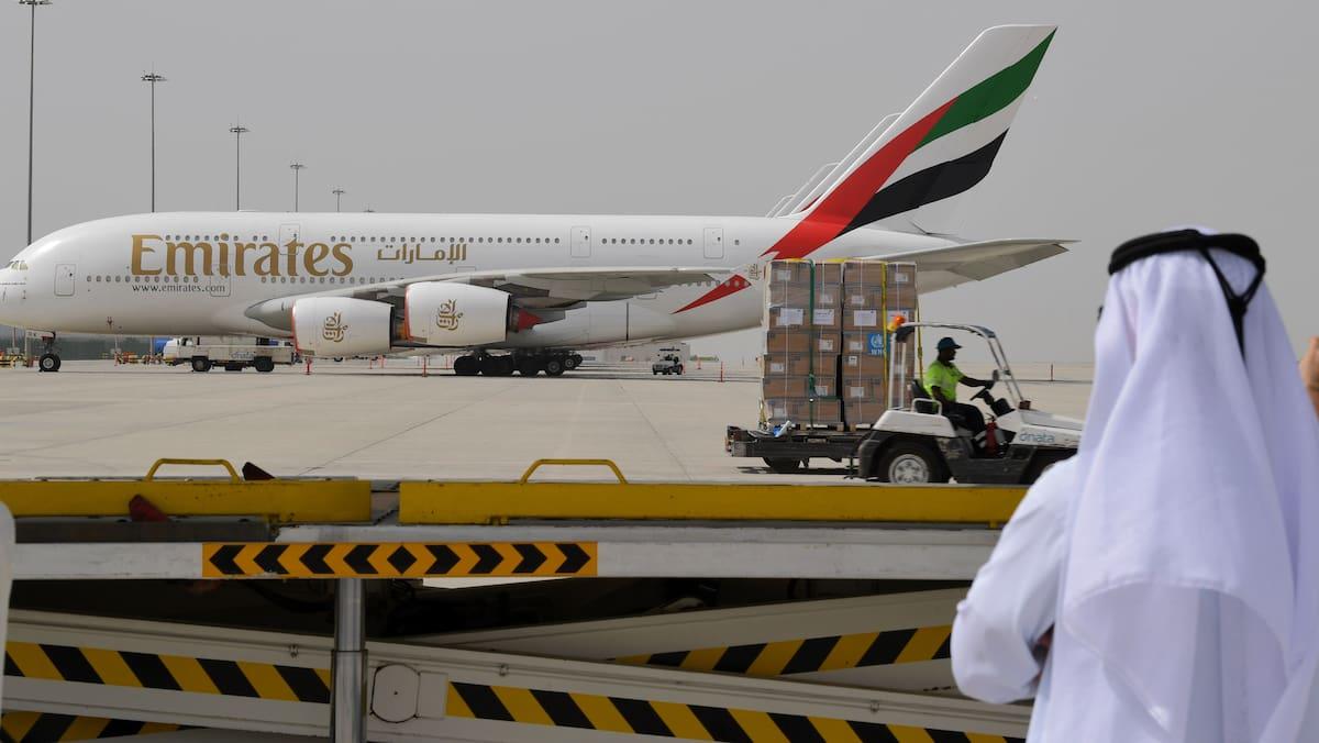 Emirates übernimmt als erste Airline Corona-Behandlungskosten