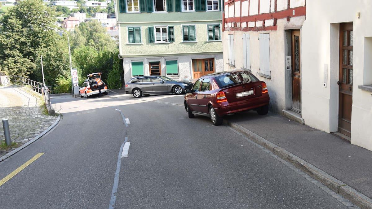 Autofahrerin rammt zwei Fussgänger in Wil SG