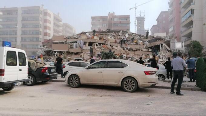 Gebäude eingestürzt und Tsunami am Mittelmeer: Erdbeben der Stärke 6,6 erschüttert Türkei und Griechenland