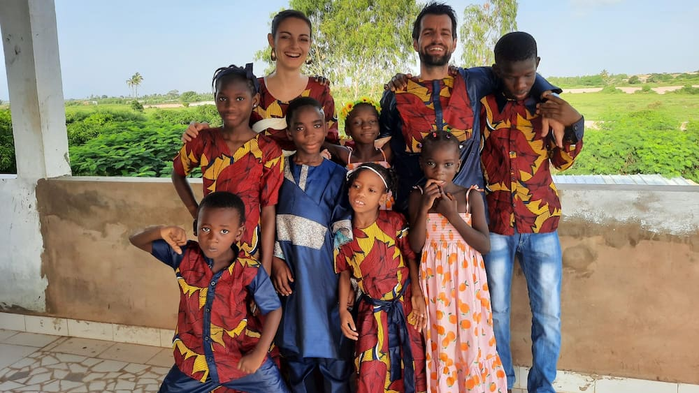 Die-Aargauer-Mirjam-Steiner-35-und-Claudio-Steiner-36-leben-als-Missionare-und-Pflegeeltern-in-Senegal-Die-Regierung-dr-ckt-ein-Auge-zu-