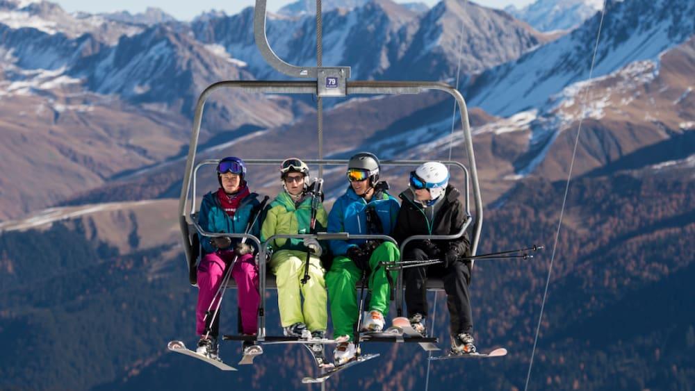 Coronavirus - Graubünden: Bündner Skigebiete bis Saisonende offen - Blick