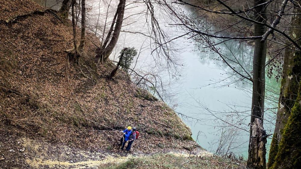 70-Jähriger war auf unwegsamem Gelände unterwegs: Freiburger Polizei rettet Wanderer (70) aus misslicher Lage