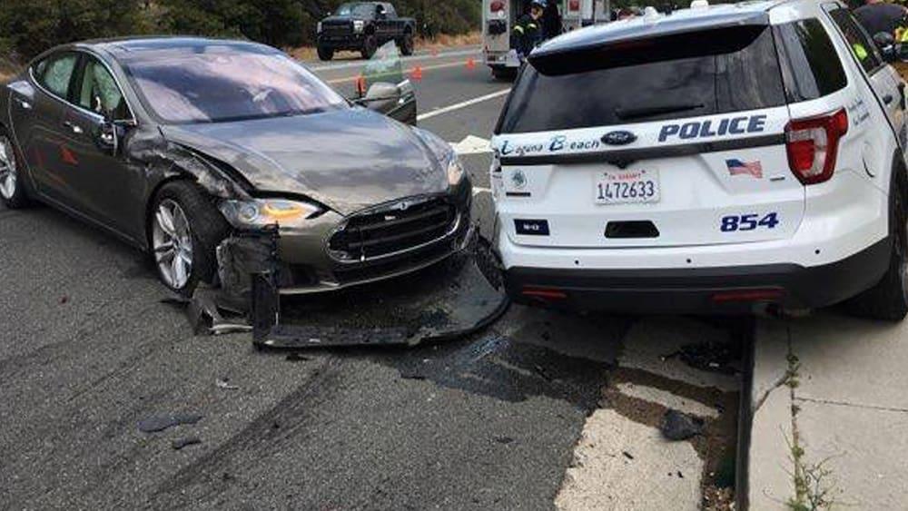 17-verletzte-und-ein-toter-us-beh-rden-fragen-nach-beim-e-auto-pionier-warum-crashen-teslas-in-rettungswagen