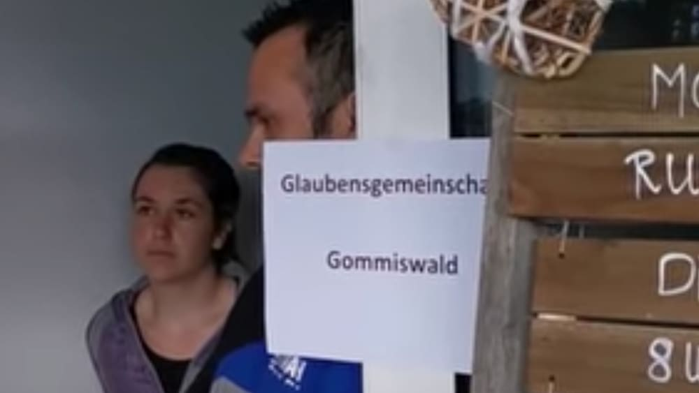 Illegale Feier in Gommiswald: Corona-Skeptiker versuchen den Religionstrick