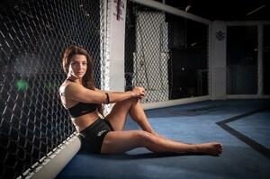 Bestare Kicaj ist eine von nur zwei Schweizer MMA-Kämpferinnen - Blick
