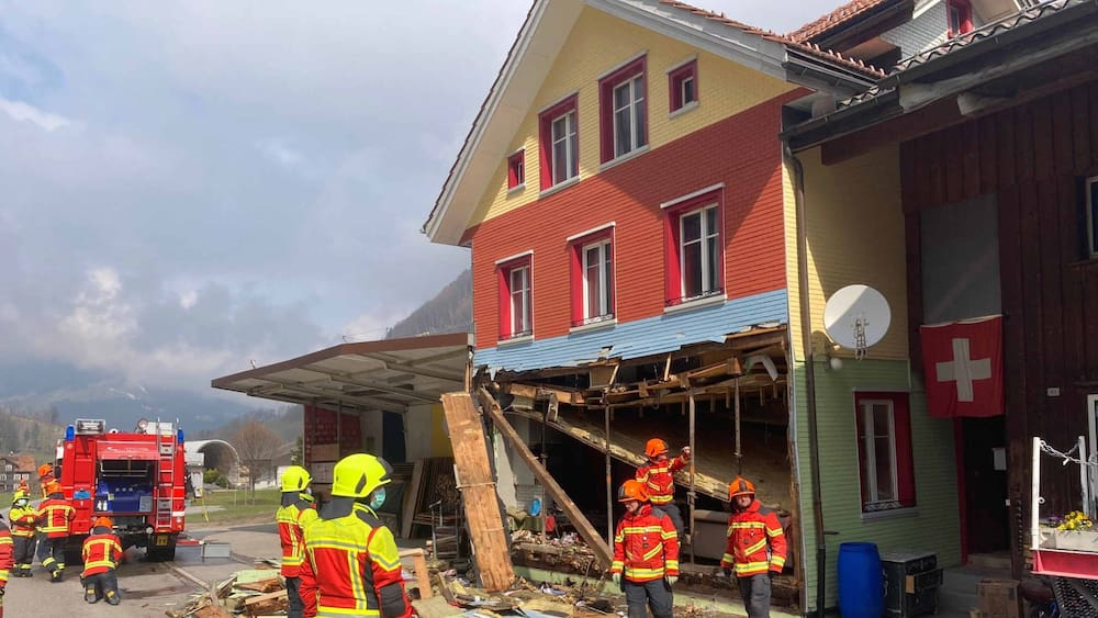 Explosion-in-Alt-St-Johann-SG-Hausfassade-weggesprengt-Mann-50-schwer-verletzt