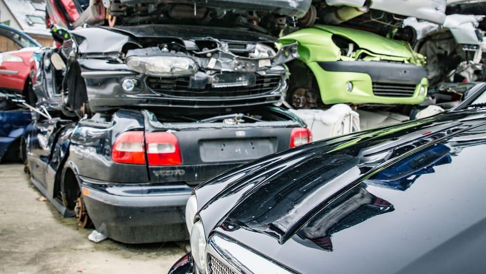 Export-Schredder-oder-verschollen-Wohin-verschwinden-unsere-alten-Autos-