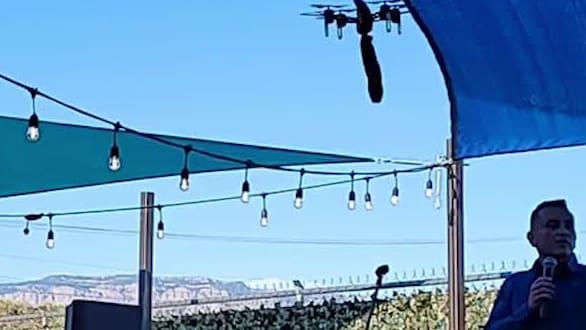 Bürgermeister in den USA: Drohne fliegt mit Dildo über