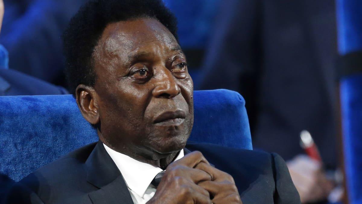 Pelé (80) liegt weiter auf der Intensivstation