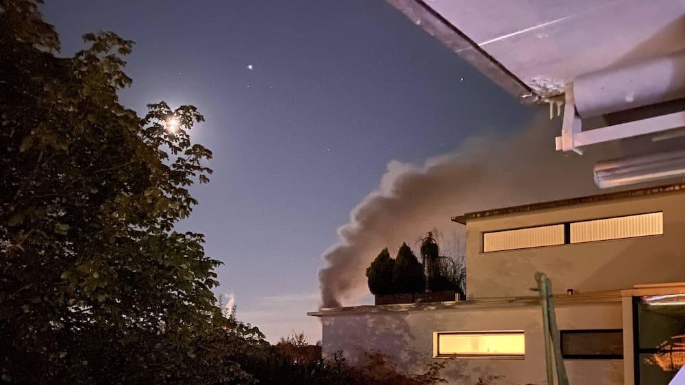 Mehrere Explosionen: Grosseinsatz wegen Brand in Dietikon ZH