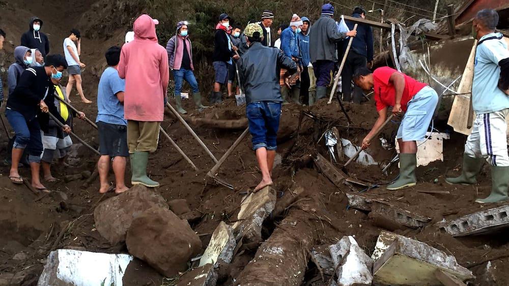 Bub-8-unter-den-Toten-Schweres-Erdbeben-auf-Bali