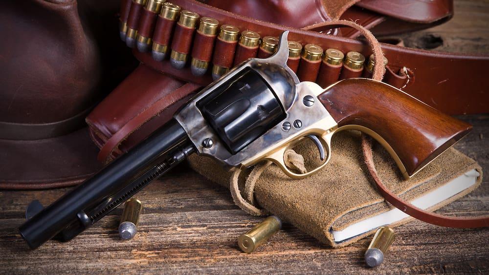 Schuss-Drama an Baldwin-Filmset: So gefährlich sind Requisiten-Waffen!