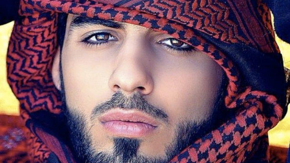 Ein Mann aus saudi arabia Online-Dating-Betrug aus Russland