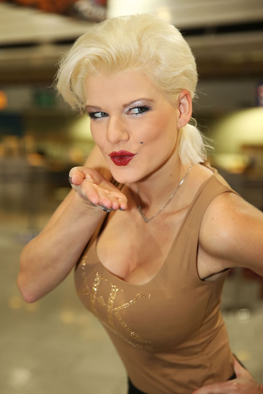 Das letzte Bad vor dem «Dschungelcamp»: Porno-Melanie