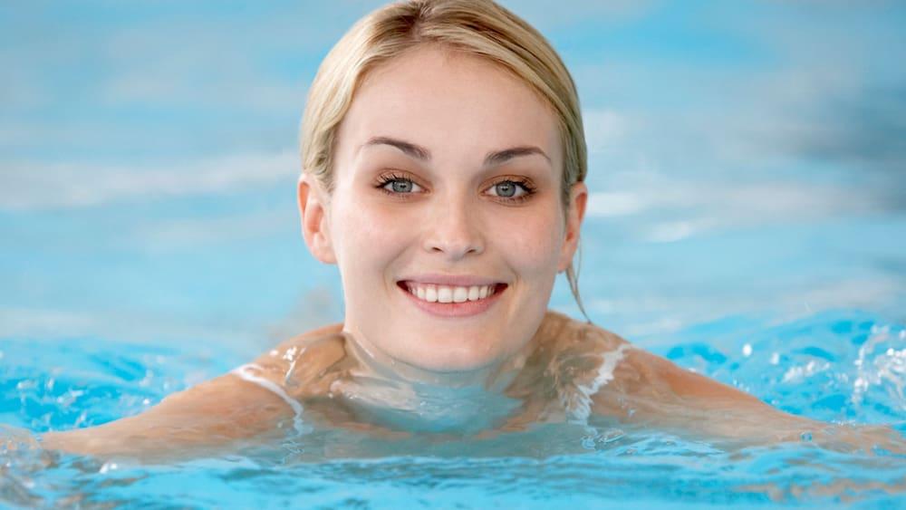 Kalorien Verbrennen Schwimmen : wie viele kalorien verbrennen wir beim schwimmen blick ~ Watch28wear.com Haus und Dekorationen