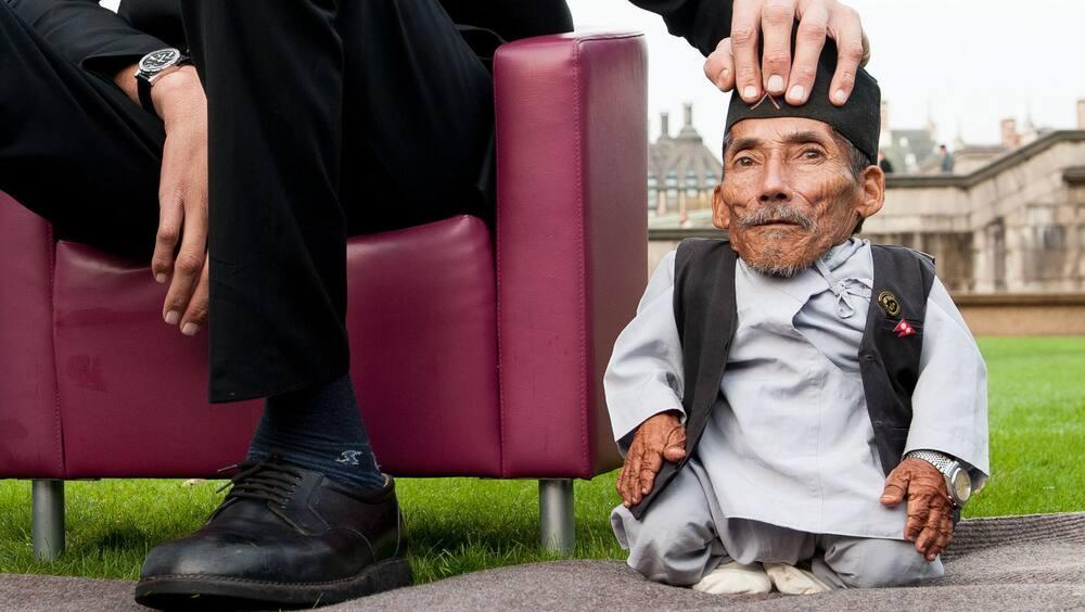 Der kleinste Mann der Welt war nur war 54,6 cm klein - Blick