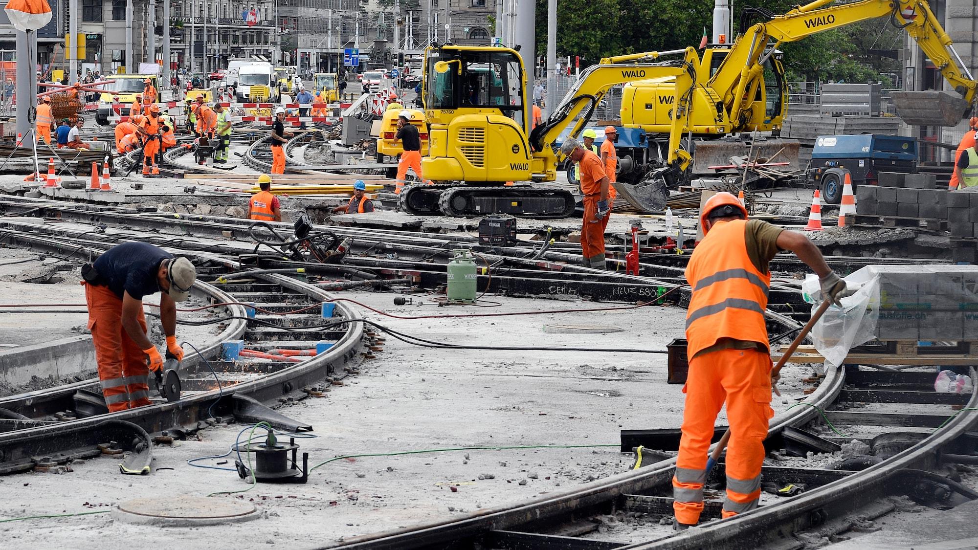 Weniger Verstösse gegen Mindestlöhne: Ausländer halten Schweizer Arbeitsgesetze besser ein