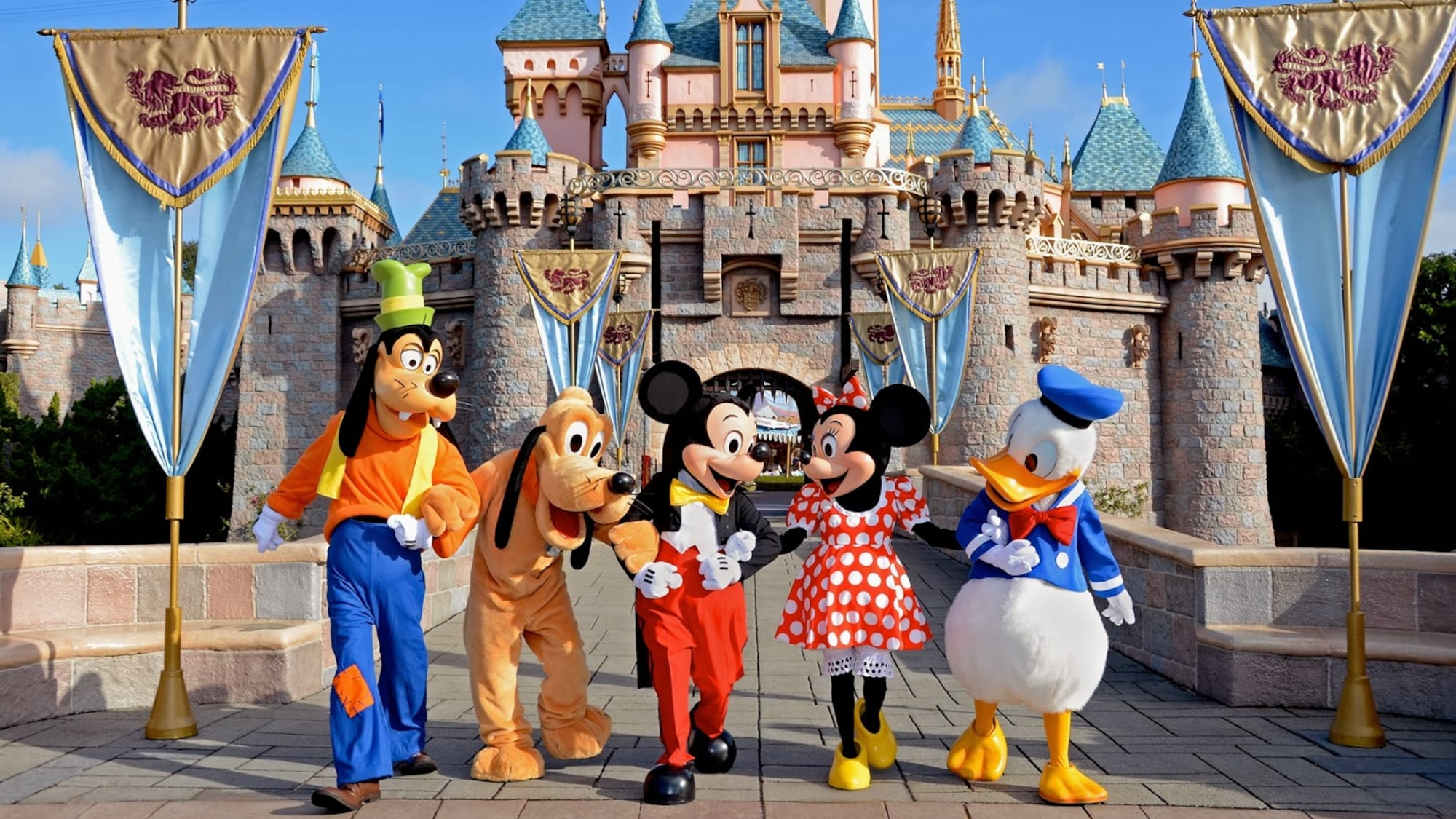 Disney-Erbin entsetzt nach Undercover-Einsatz: Park-Mitarbeiter müssen im Abfall nach Essen wühlen