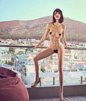 Miriam rickli nackt