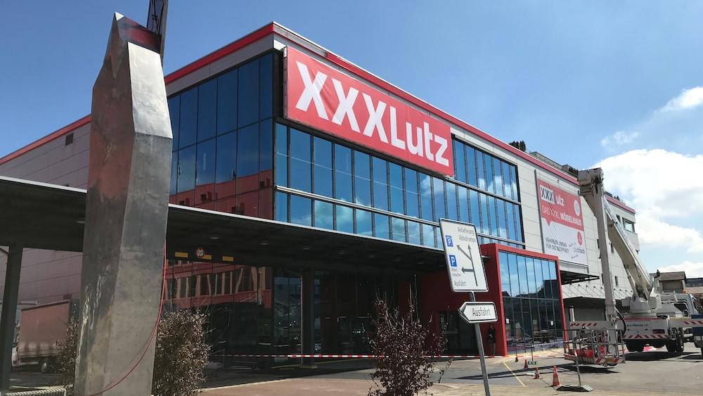 Mobel Riese Xxxlutz Eroffnet Ersten Laden In Der Schweiz Wir